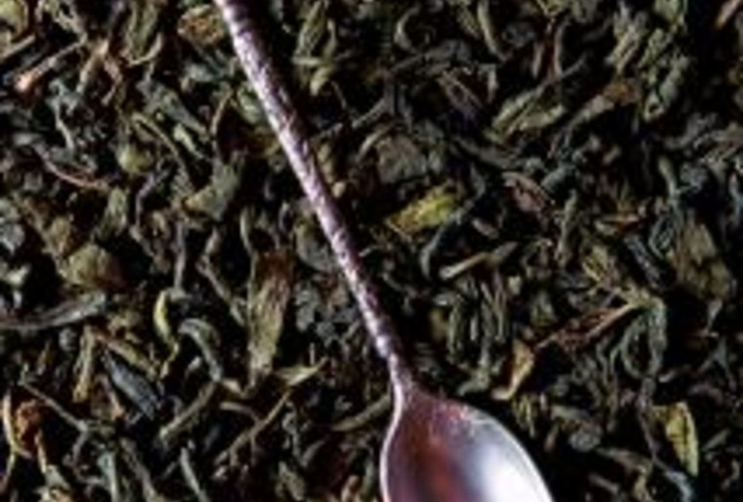 perform a tea leaf reading